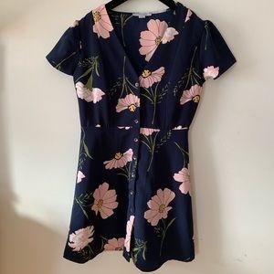 Dresses & Skirts - Floral Button Up Dress
